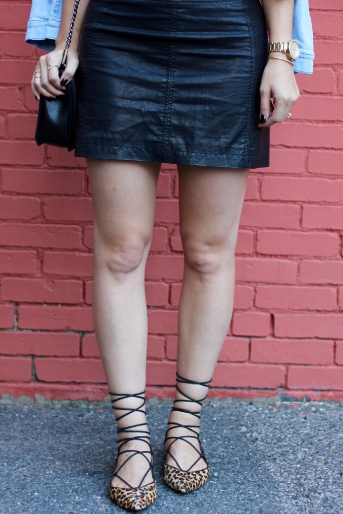 La Mariposa Boston Fashion Blog: Night Out Look, Leather Mini Skirt, Black Leather skirt, Free People leather skirt, leopard lace-up flats, pointy leopard lace-ups