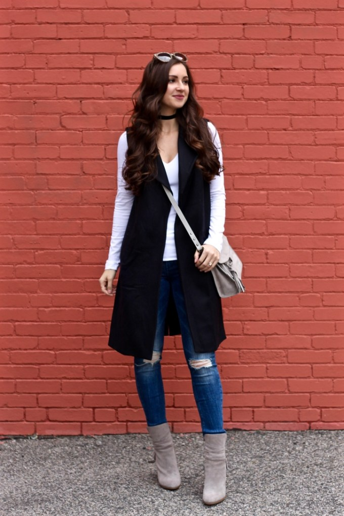 La Mariposa Boston Fashion Blog, Black Sleeveless Trench,