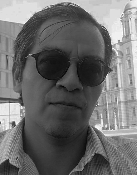 Abrojos y Rimas: Héctor Luis Grada