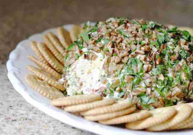 This Veggie Ranch Cheese Ball recipe is so easy!  I love this idea for a party appetizer.