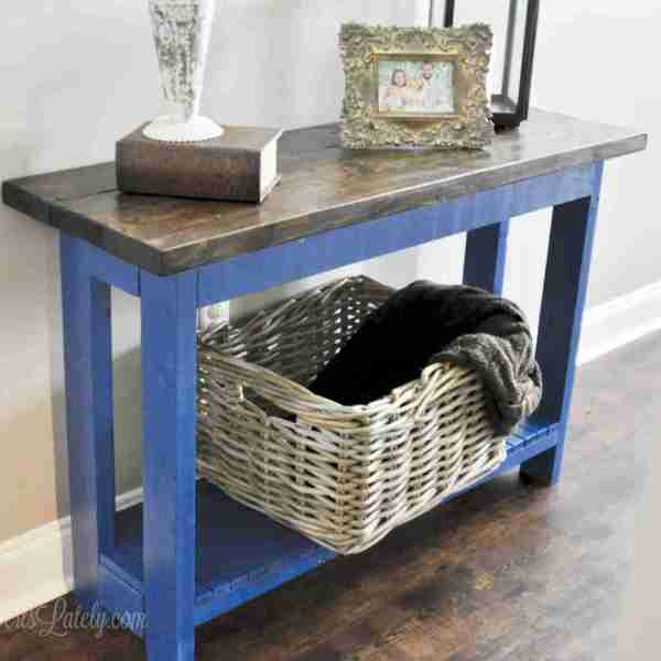 An Easy DIY Farmhouse Console Table