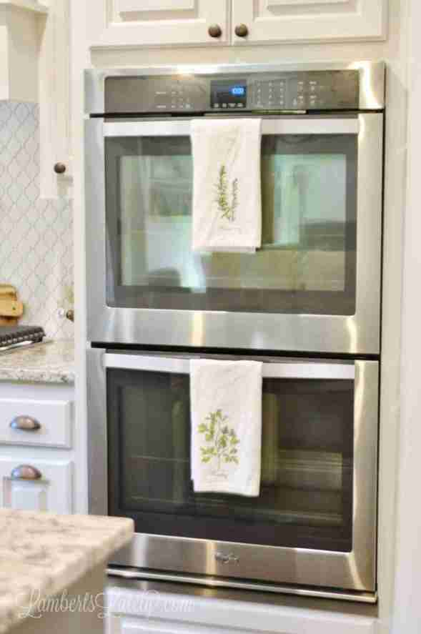 Want to know how to clean an oven the effective way? See how to clean the racks, glass door, and inside of your oven using simple cleaners like vinegar.
