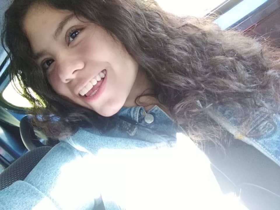 hija sonriendo