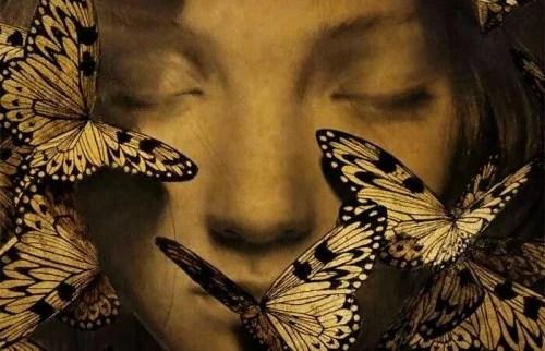 emozione Ragazza-con-farfalle