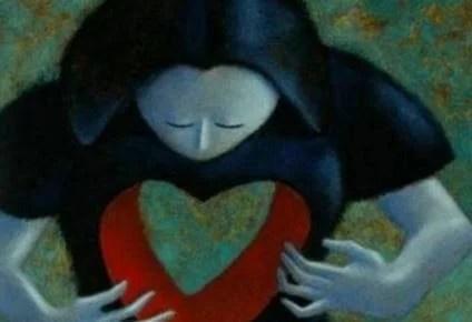 Mulher com uma cavidade em forma de coração