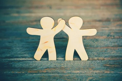 viajar ayuda a confiar en los demás