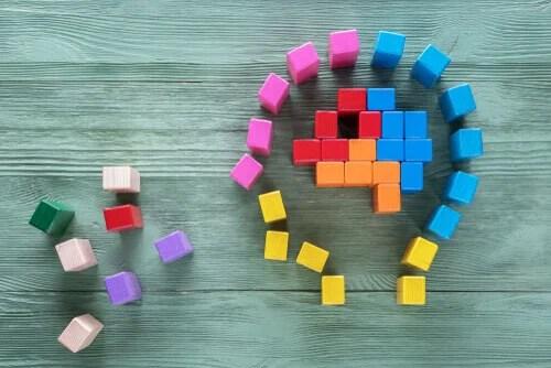 Mente de una persona con piezas del tetris