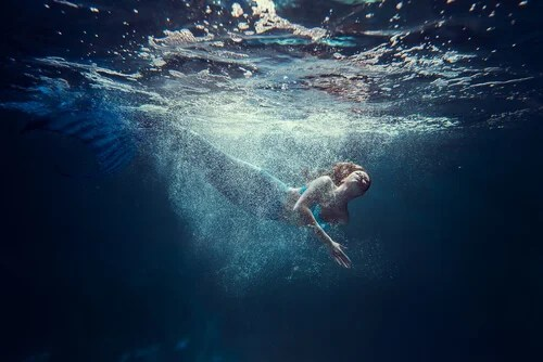 Sirena debajo del mar