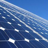 """Se privatiza el Sol en España.""""si te pillan recogiendo fotónes de luz solar para tu propio consumo te puede caer una multa de 30 millones de euros"""""""