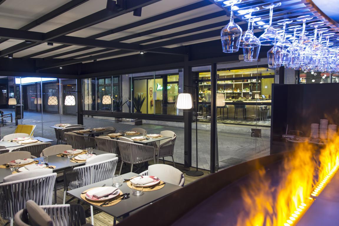 iztac-restaurante-mesa-habla-terraza