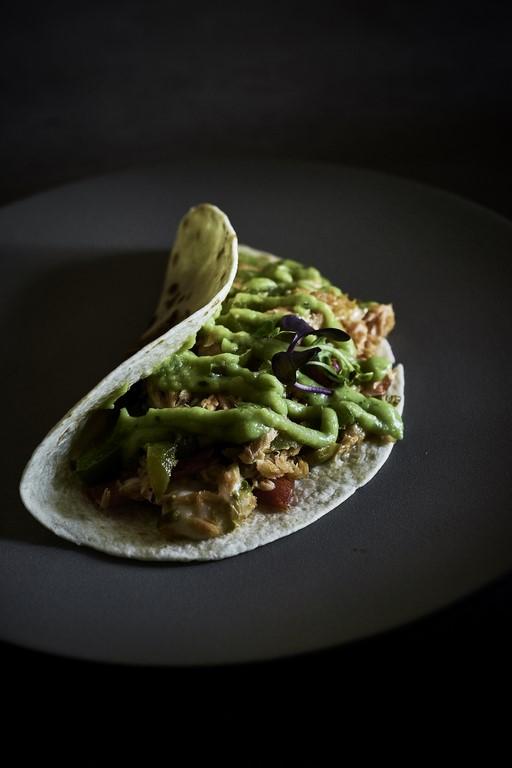 iztac-restaurante-mesa-habla-taco-gobernador