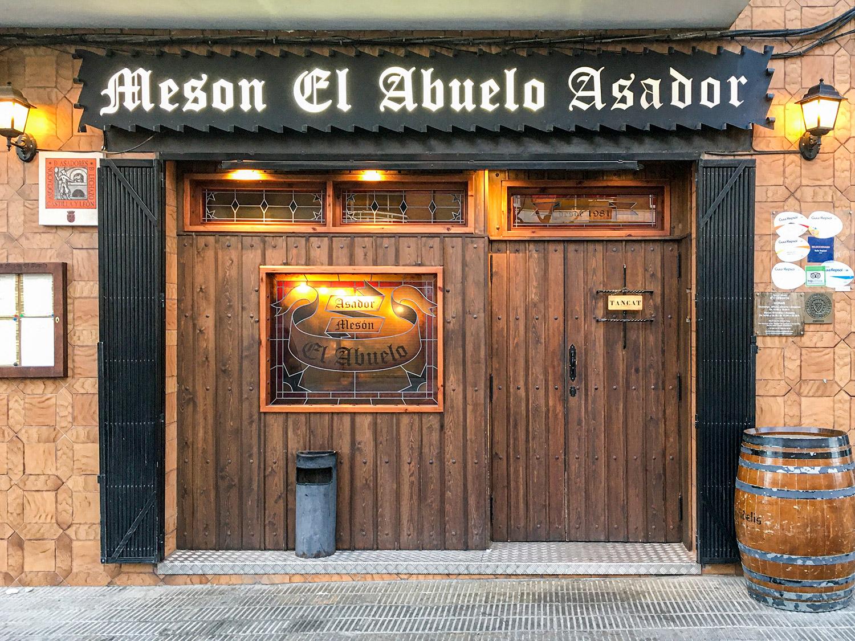 meson-asador-abuelo-igualada-barcelona-mesa-habla
