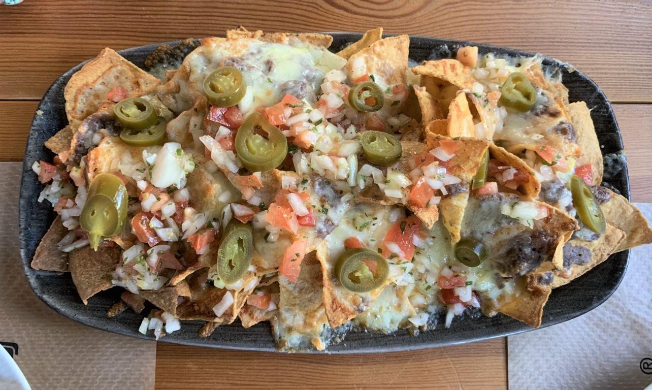 mesa-habla-andele-ponzano-nachos