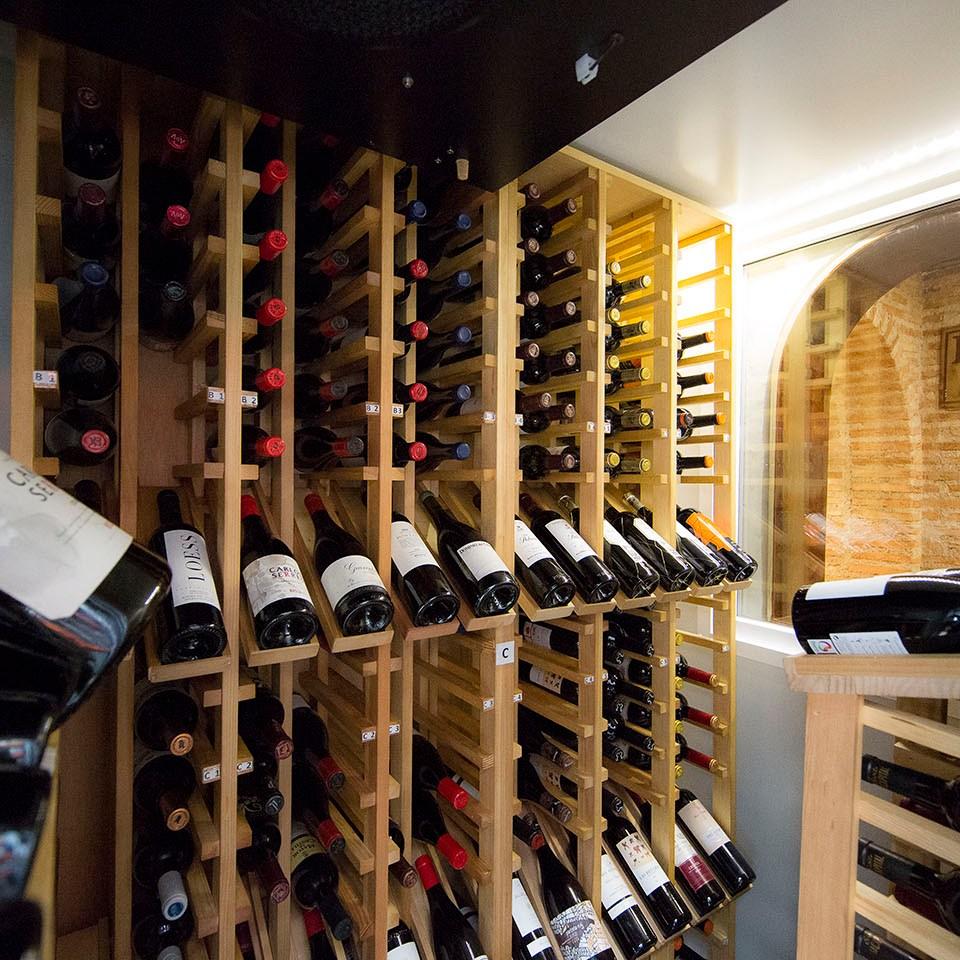 mesa-habla-cruz-blanca-vallecas-vinos