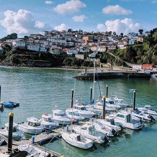 mesa-habla-lastres-asturias