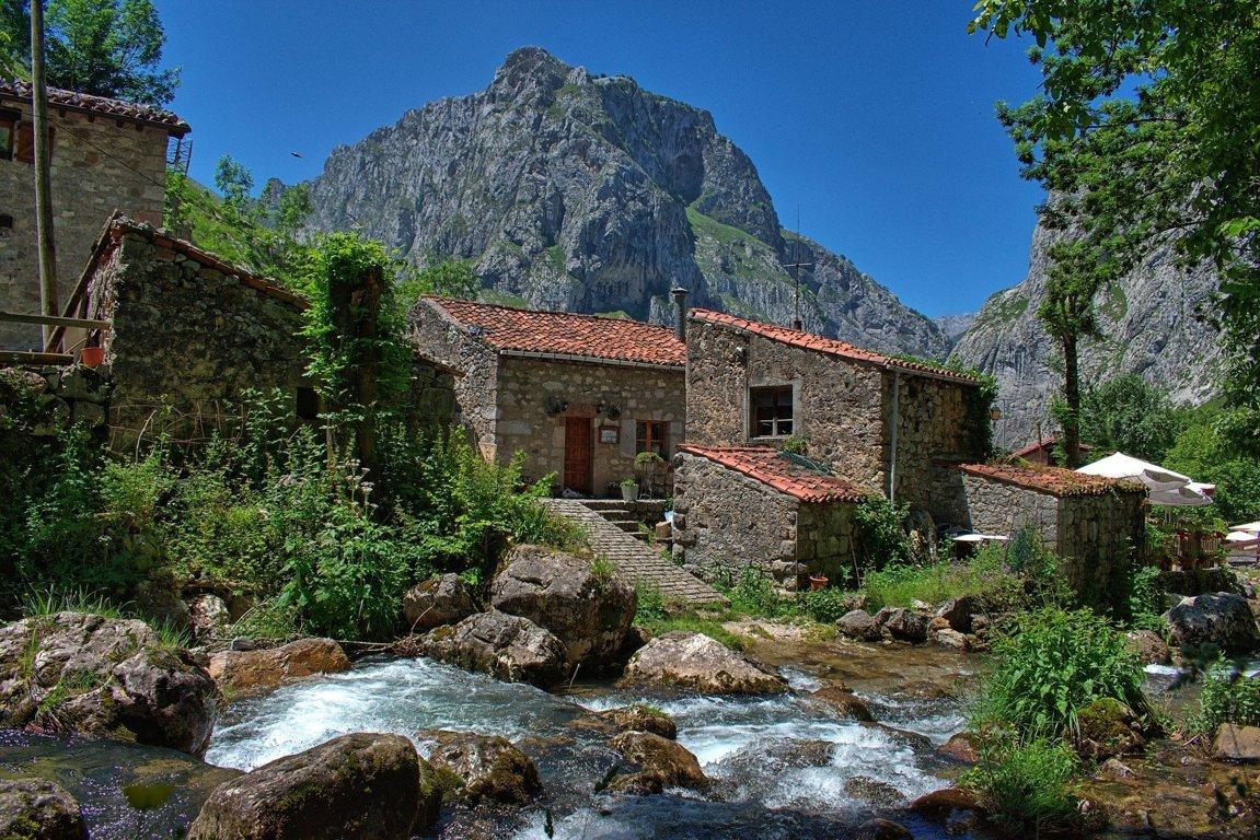 mesa-habla-rio-asturias
