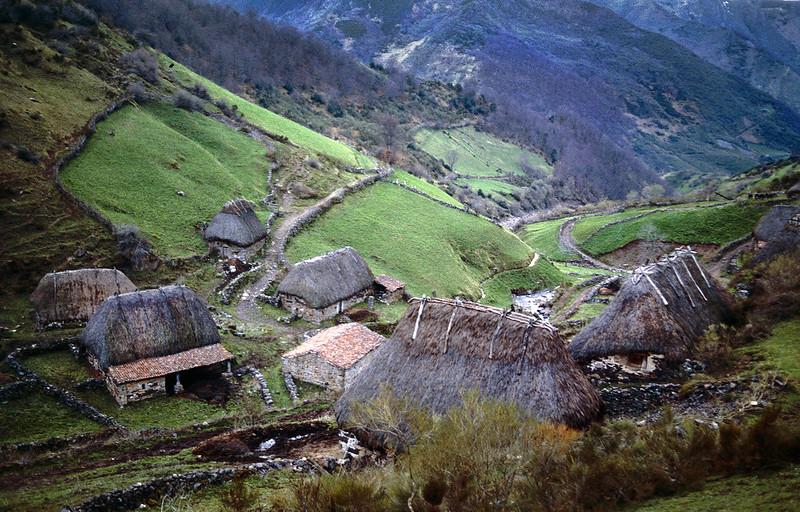 mesa-habla-somiedo-asturias