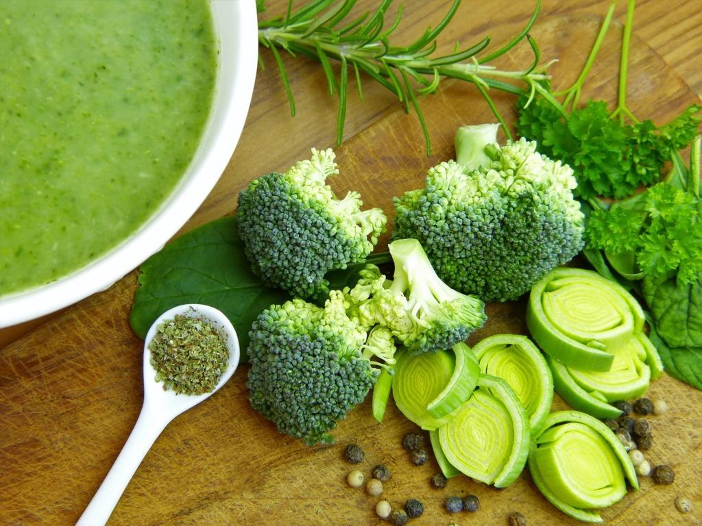 mesa-habla-sopa-brocoli