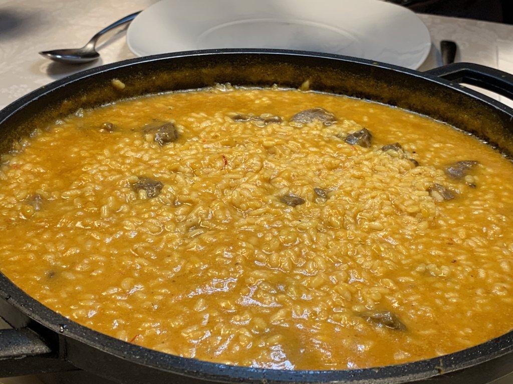 mesa-habla-arroz-meloso-carrilleras-cerdo 17