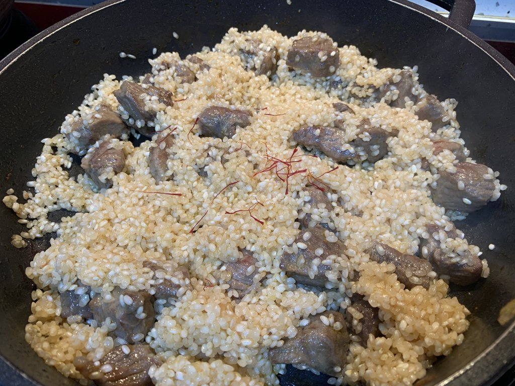 mesa-habla-arroz-meloso-carrilleras-cerdo 9