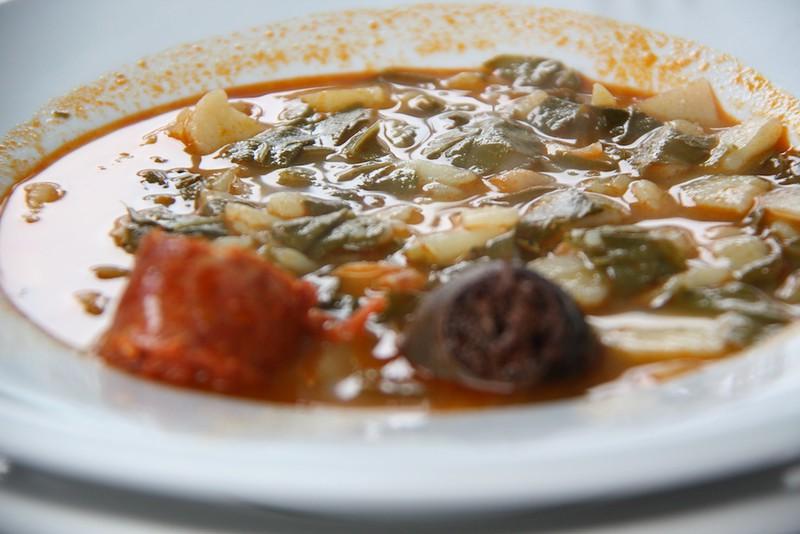 mesa-habla-cocido-pote-asturiano
