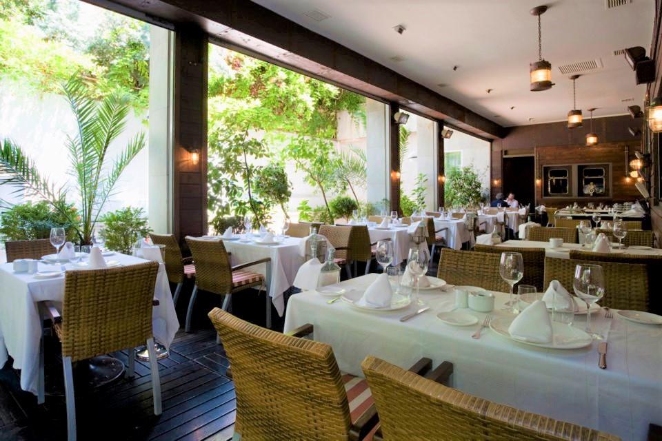 mesa-habla-restaurante-telegrafo 1