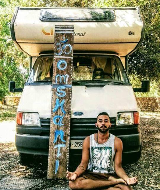 """Mirko Ciccarello: """"Venite a visitare il Salento a bordo del mio camper"""""""