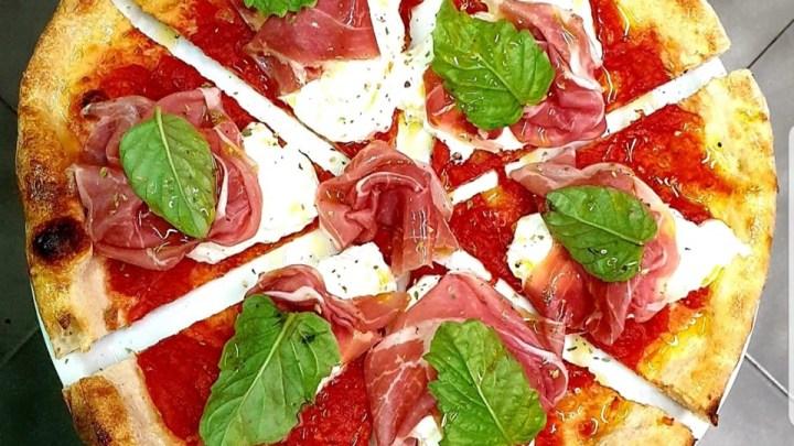 """Pizza in Puglia: entriamo nel regno di """"Queen Mama"""" a Cerignola (Fg)"""