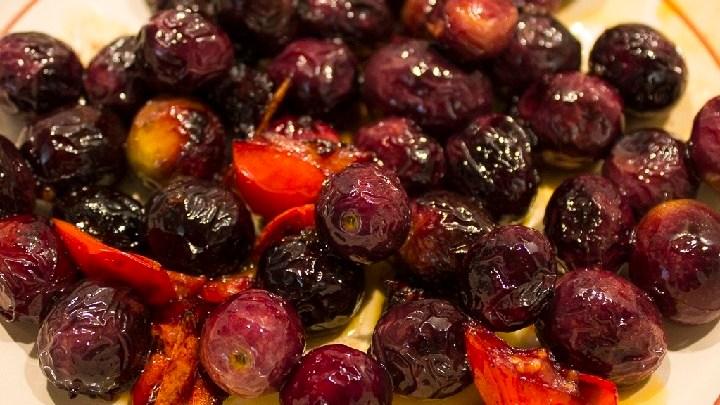 Olive dolci fritte: un rito culinario pugliese del passato