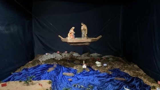 Presepe in una barca nella Chiesa matrice di Mola di Bari: i valori cui si è ispirato