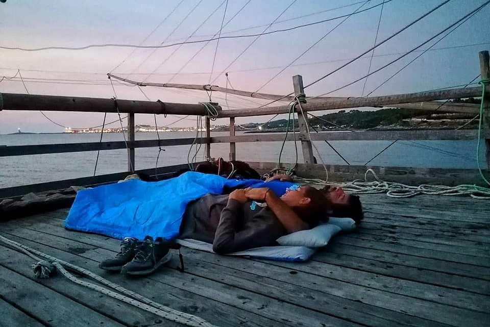 Dormire in un Trabucco: l'esperienza di Michele e Sara a Cala Molinella