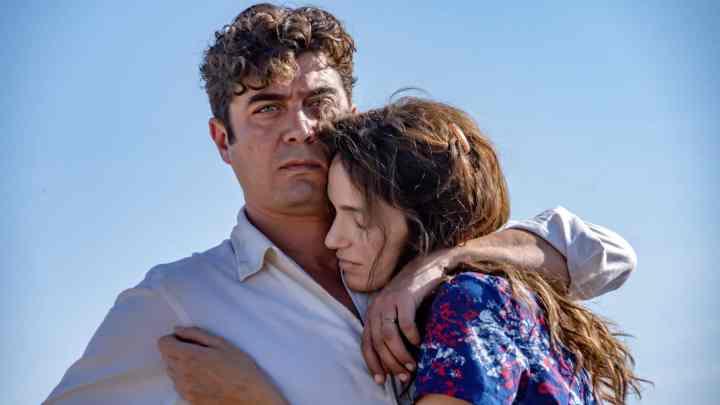 L'Ultimo Paradiso: Riccardo Scamarcio contadino e ribelle su Netflix