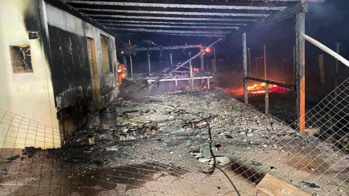 Ultima Spiaggia Beach di Vieste: dopo l'incendio parte la raccolta fondi per la ricostruzione