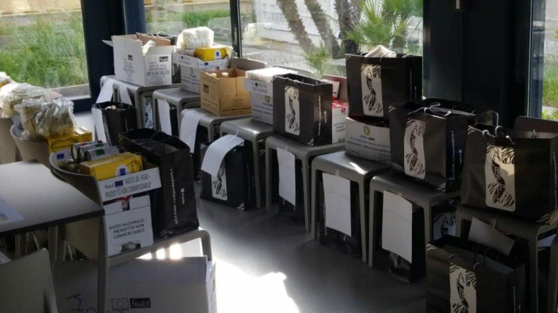 Bari: distribuite derrate alimentari per i lavoratori dello spettacolo al Teatro Kismet