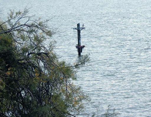 Misticismo e spiritualità sul lago di Varano: storia e leggende sul Crocifisso