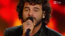 Accessori argento per Francesco Renga a Sanremo 2014 terza serata