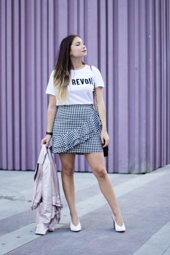 tshirt-blanc-et-jupe-vichy-look-retro-blog-mode