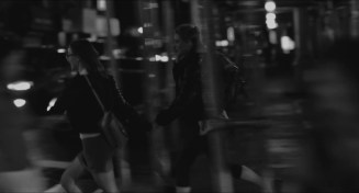 Frances.Ha.2012.LIMITED.720p.BRRip.XviD.AC3-RARBG.avi_snapshot_00.06.39_[2016.04.21_22.48.28]