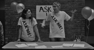 Frances.Ha.2012.LIMITED.720p.BRRip.XviD.AC3-RARBG.avi_snapshot_01.04.32_[2016.04.21_22.48.19]