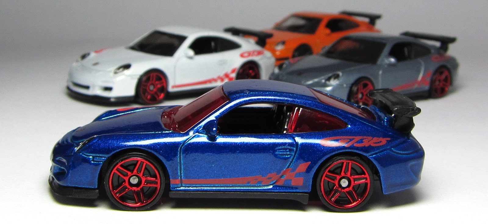 first look hot wheels porsche 911 gt3 rs thelamleygroup. Black Bedroom Furniture Sets. Home Design Ideas