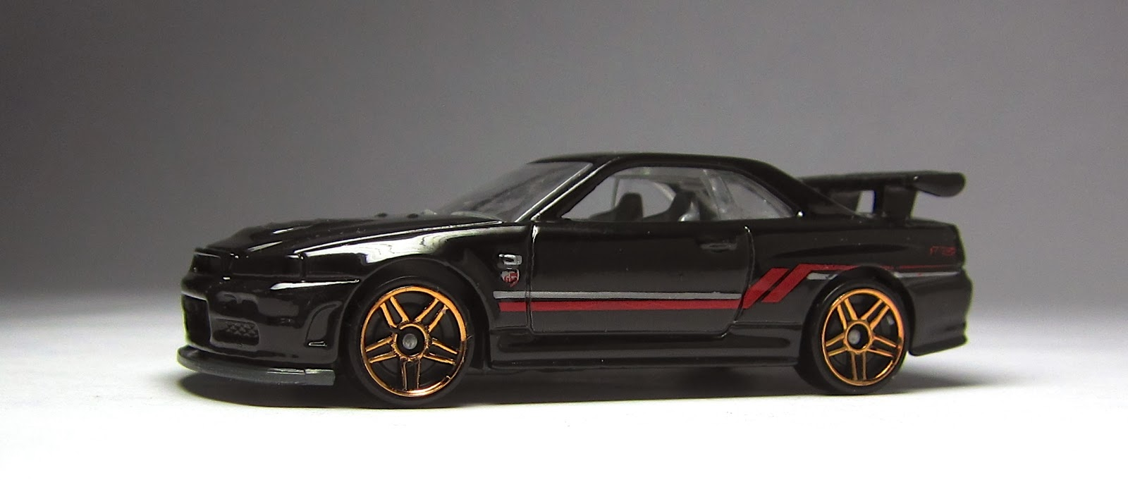 First Look Newly Modified Hot Wheels Nissan Skyline Gt R R34