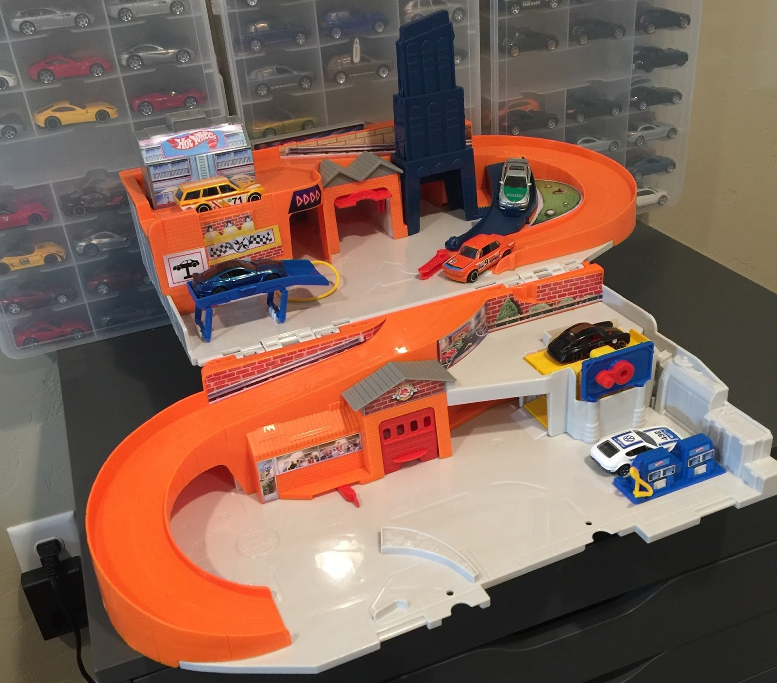 Hot Wheels Sto Go The Best Hot Wheels Playset Since The 1980 S Lamleygroup