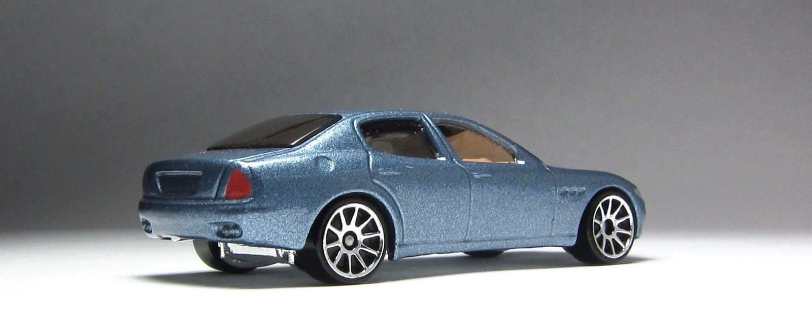 Hot wheels maserati quattroporte