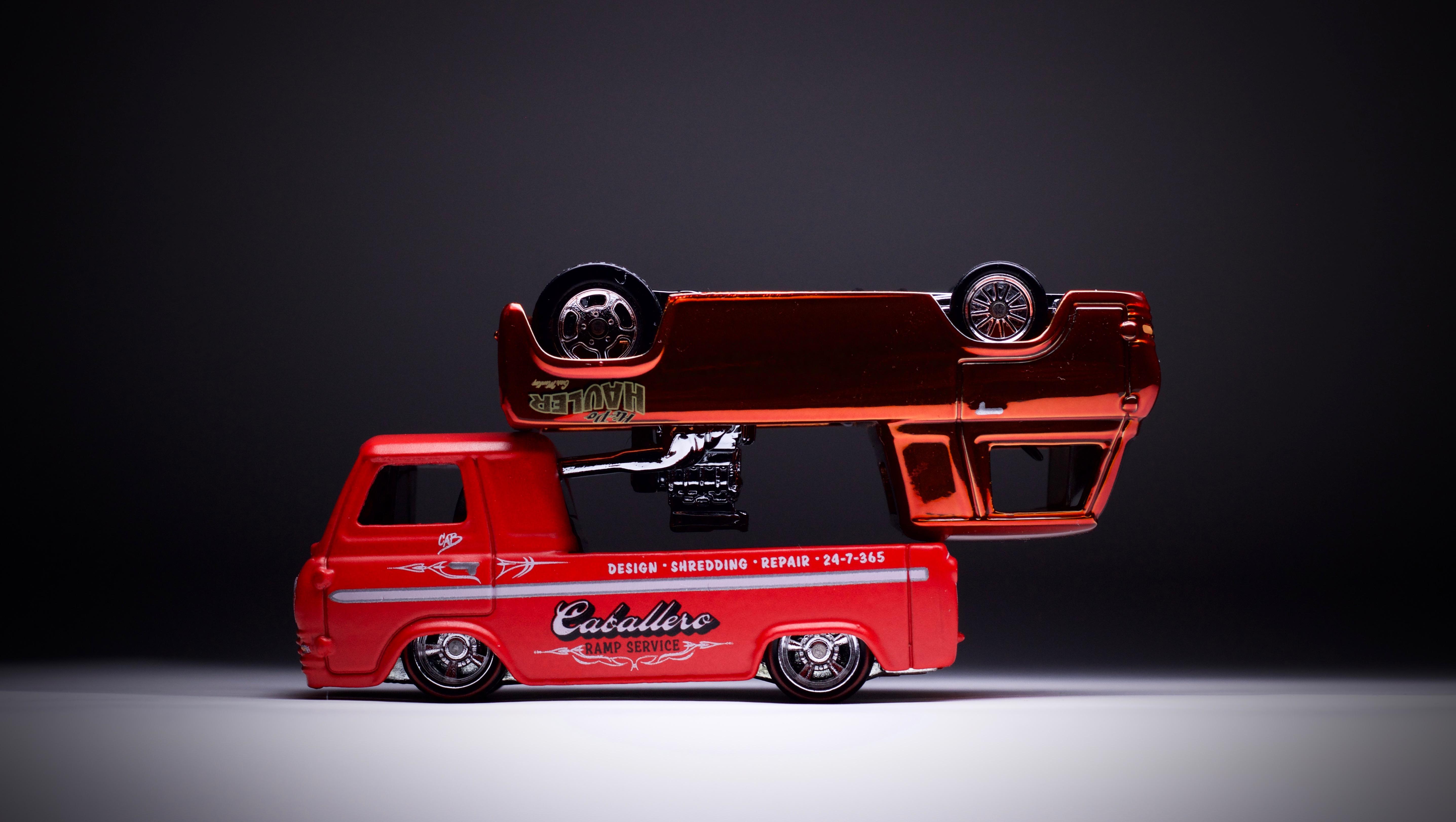A Tale of Two: Hot Wheels Hi-Po Hauler & Ford Econoline