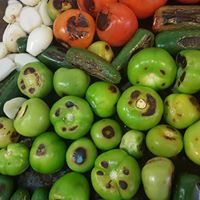 Tomatillo, cebollitas, Jalapenos
