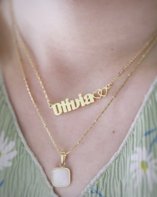 Mother of Pearl and Olivia Style Name Necklace Set