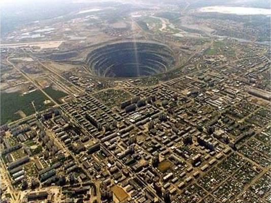 El agujero más grande del mundo, Mirny, Siberia