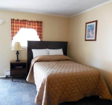 Full Bed Room Room 9