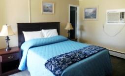 Queen Bed Room 12