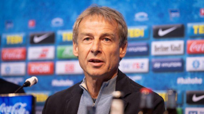 Jürgen Klinsmann, con problemas en Alemania por su carnet de DT